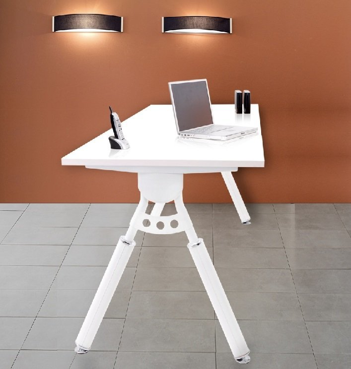 Elements 1000 desk White leg